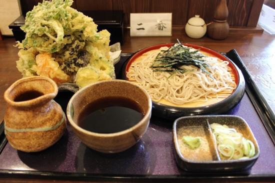 「そば処 田じま」の野菜天ぷら蕎麦