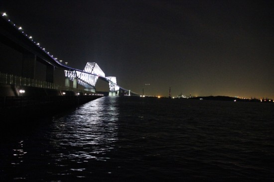 ライトアップされた東京ゲートブリッジが見事