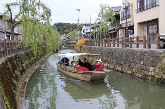 「舟めぐり」では徒歩とはまた違った景色が楽しめそう