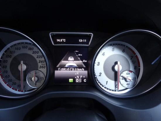 設定速度はメーター内に表示される