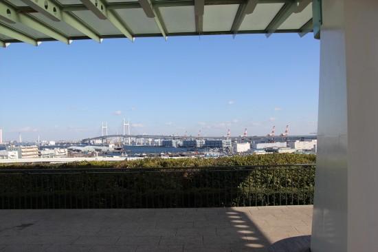横浜の港やベイブリッジが一望できる