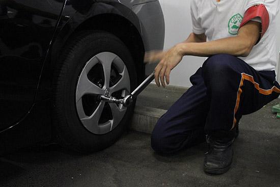 タイヤの取り付け状況のチェック