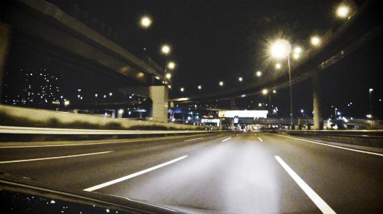 首都高速を快調に走る