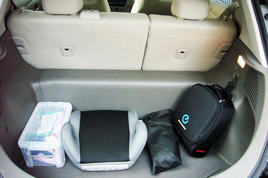 充電用ケーブルとカバーは専用の袋に入れよう