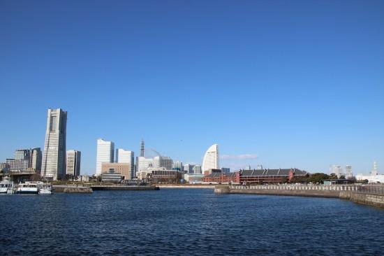 赤レンガ倉庫やランドマークタワーがすぐ近くに見える