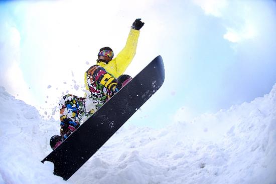 スキーやスノボーなどウィンタースポーツが楽しい季節です!