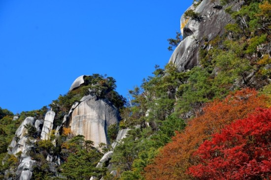 秋には紅葉も見事な昇仙峡