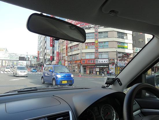 対向車がたくさん来るときは信号が変わるまで待てばOK
