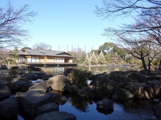 平成庭園にある、数寄屋造り(すきやつくり)の「源心庵」