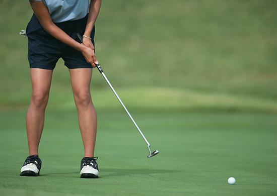 スポーツを楽しむアクティブな女性はやっぱり魅力的!