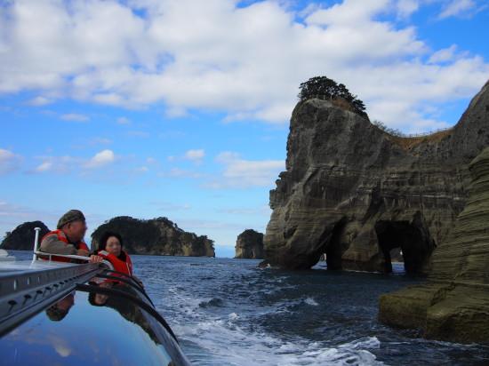 約20分のツアー。この後、天然記念物の海蝕トンネル「天窓洞」へ
