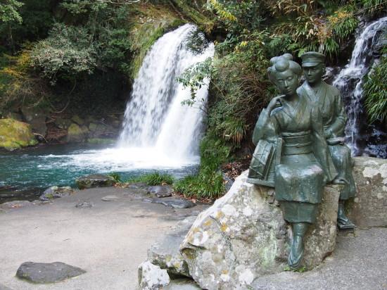 河津温泉郷は川端康成の小説「伊豆の踊子」の舞台として有名