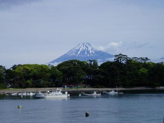 戸田港からの富士山