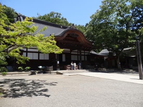 深大寺は奈良時代に作られた関東でも有数の古刹として知られています