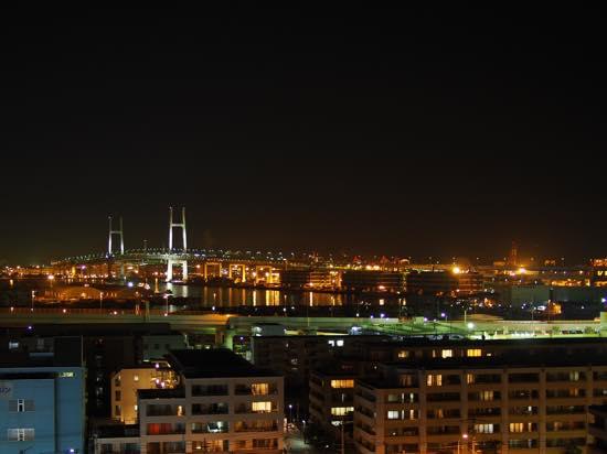 港の見える丘公園からはベイブリッジなど横浜らしい夜景がひろがる