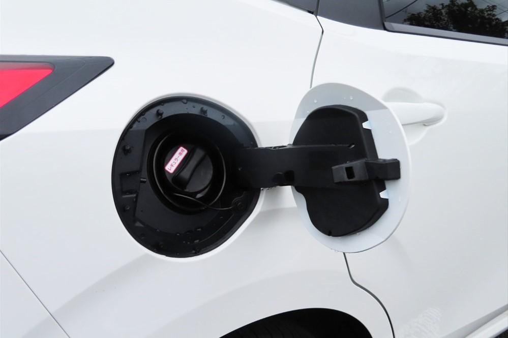 「e-POWER」はエンジンで発電するので充電は不要。通常のガソリン車と同様、給油のみでOK
