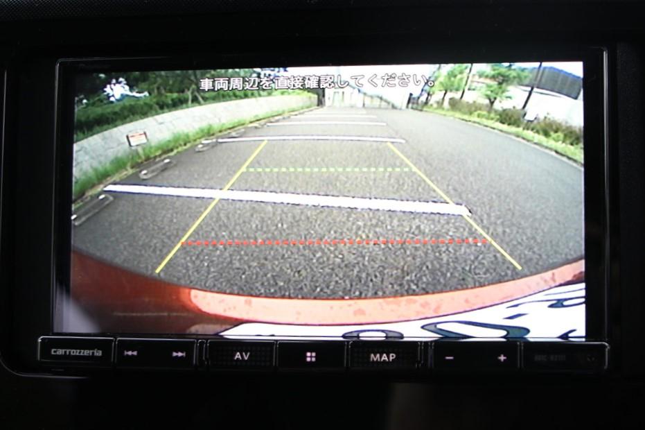 駐車時に後方確認をサポートするバックモニター