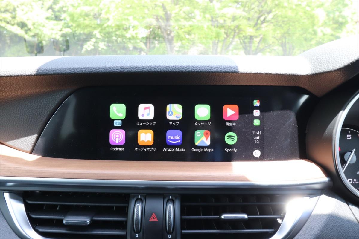 Apple Carplayを接続した画面、スマホの各種アプリが操作できる