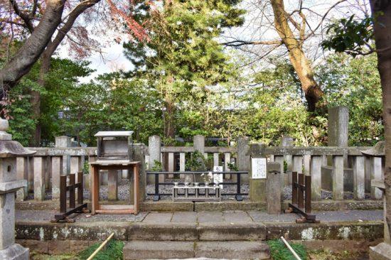 松陰先生他烈士墓所には多くのお墓が集まっています
