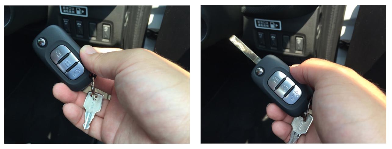 エンジンキーの左上のボタンを押すと、鍵の部分が出てくる