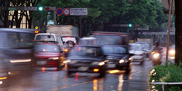 「自分は大丈夫」が危ない!日常に潜む交通事故の危険をチェック