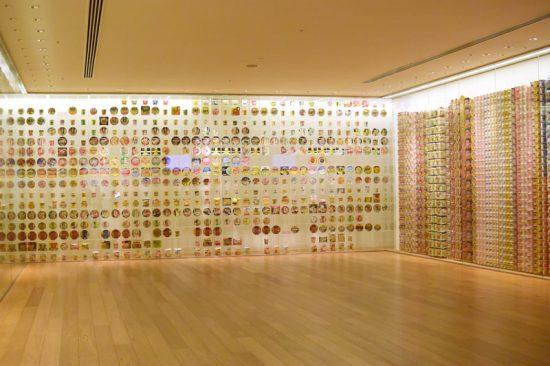 約3,000点が展示される「インスタントラーメンヒストリーキューブ」