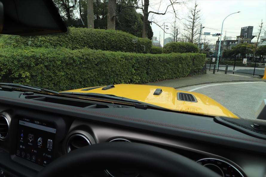 運転席からボンネットが見えると車両感覚がつかみやすい