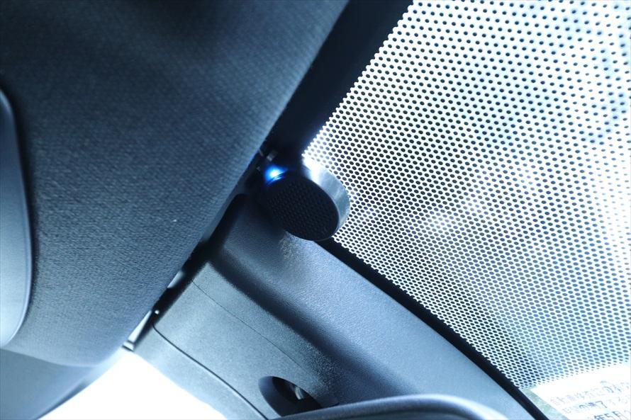 フロントガラスの上部にあるインジケーターランプやカーナビ画面の表示で挿入を確認
