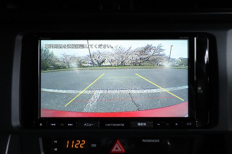 もちろんバックモニターも装備しているので、駐車時の後方確認も安心