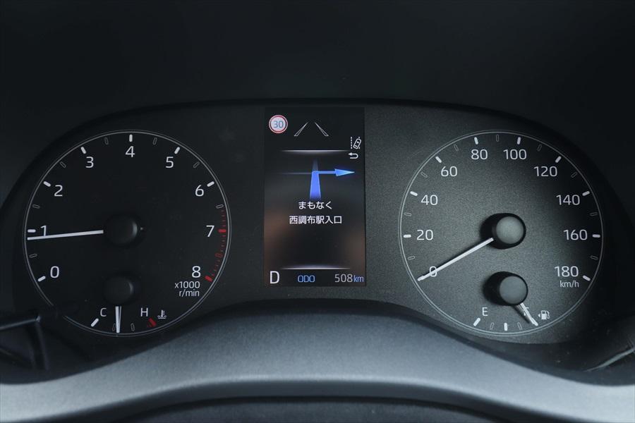 メーター内に速度標識を表示する「ロードサインアシスト(RSA)」も装備