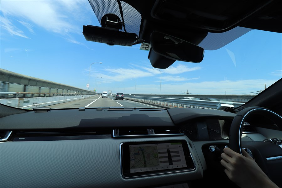 ACCを使えば高速道路でさらに安全、快適なドライブができる