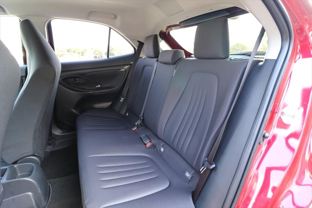 広くなった後席のシートは少し固めで安定感重視という印象