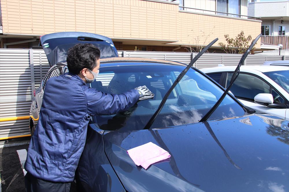 窓ガラスが汚れていると視界が悪くなるため、安全のためにもクリアにしておくことは大切