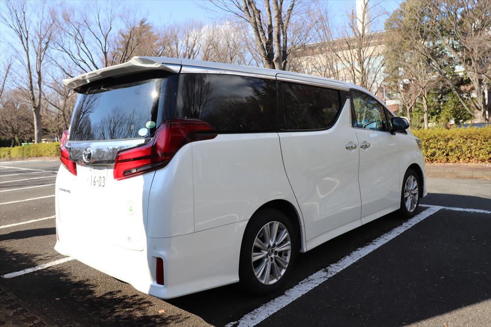 乗降性が考えられた車高の低さや広く取られた荷室開口部など、外観にも使い勝手を向上させる工夫が満載
