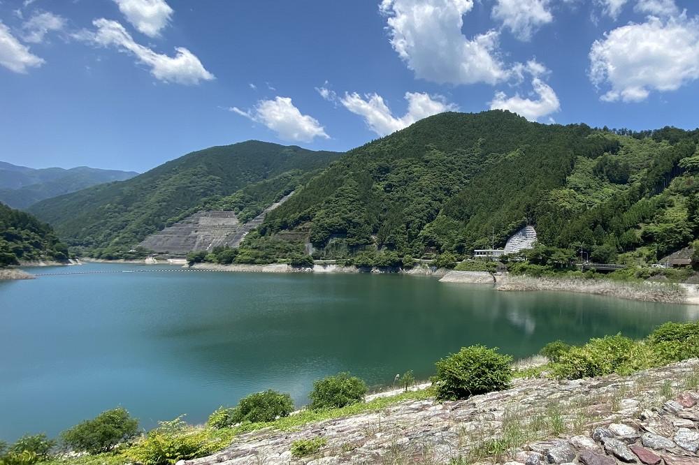 名栗湖は首都圏のオートバイツーリング先としてメジャー。この日もたくさんのライダーで賑わっていた