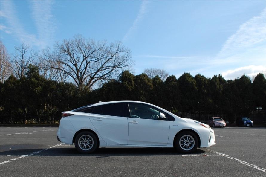 この日は神代植物公園第一駐車場に駐車。深大寺の山門まで10分ほど歩く