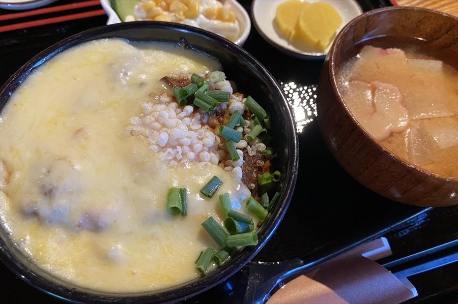 「チチブ丼セット」は中盛りで1,200円(税込)