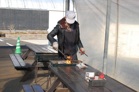 バーベキューをやったことがなくても、スタッフが火をおこしてくれるので安心