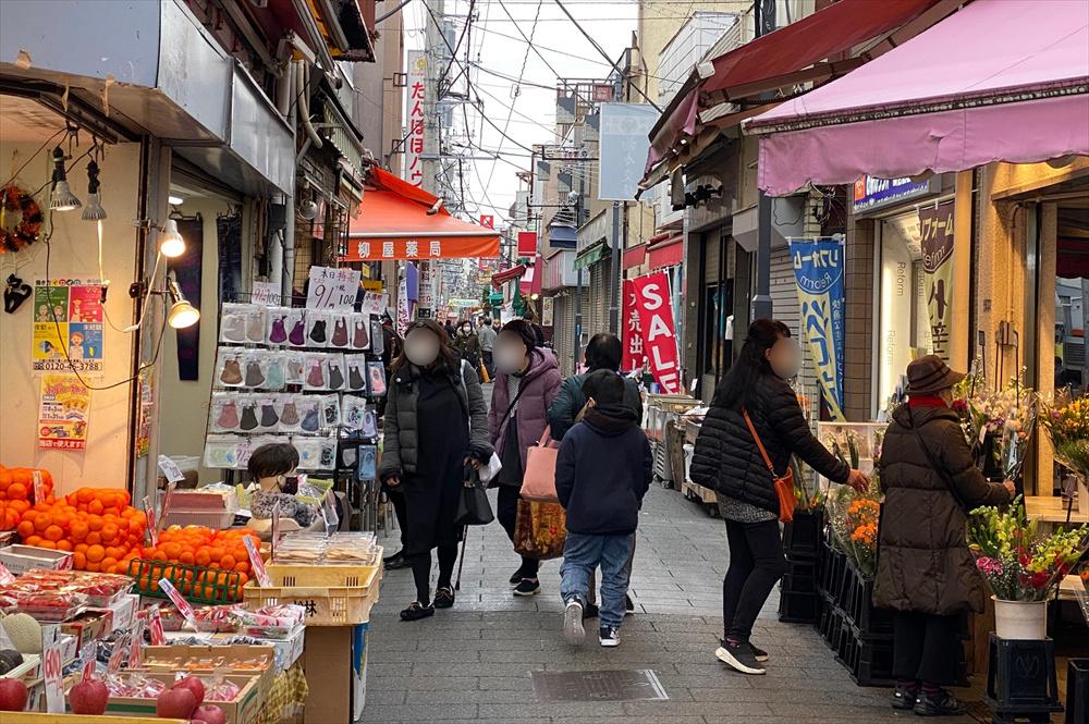 現在の店舗数は180件ほど。商店街の全長は670mにも及ぶ