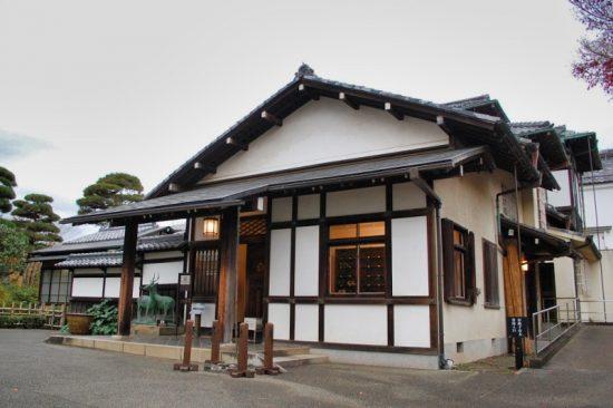 格式高い三井八郎右衛門邸