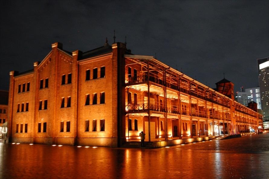 イベント会場として有名な横浜赤レンガ倉庫だが、「近代化産業遺産」に認定される貴重な建造物
