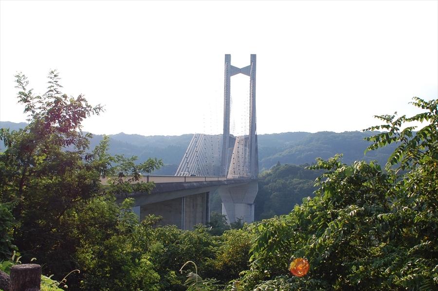 「秩父公園橋」は斜張橋として日本でも有数の規模を誇る