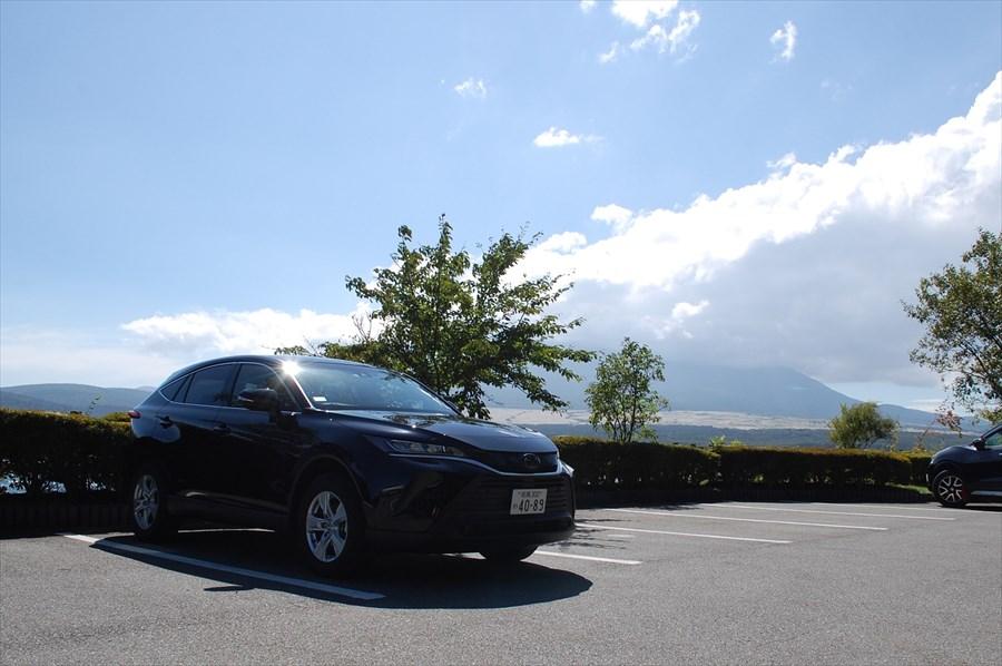 「長池親水公園」は条件が整えば山中湖に映る逆さ富士や、ダイヤモンド富士が撮影できる