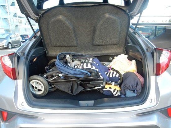 ベビーカーや荷物も積めるトランク