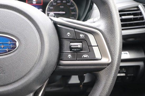 ハンドル右部のボタンで操作を行う