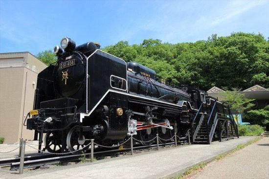 屋外展示される機関車はD51型蒸気機関車、通称「デゴイチ」