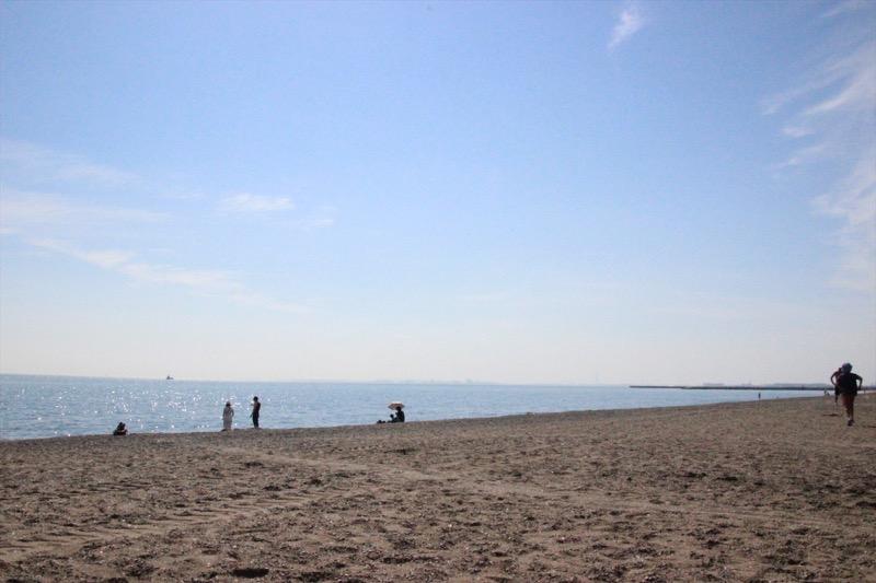 海水浴シーズンには大勢の人で賑わう