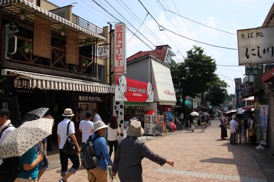 軽井沢のお土産ならなんでも揃う旧軽井沢銀座通り