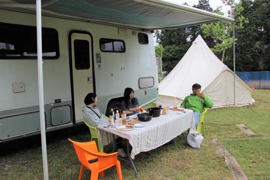 ダッチオーブンを始めほとんどの道具は富里キャンプ場で借りられる