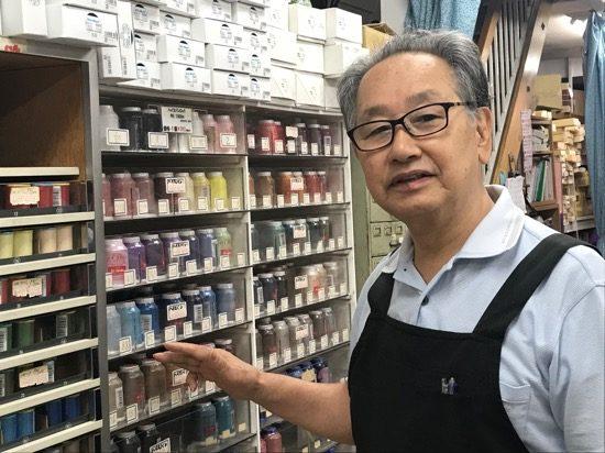 こちらは先代店主の山田さん。やさしく説明いただきました